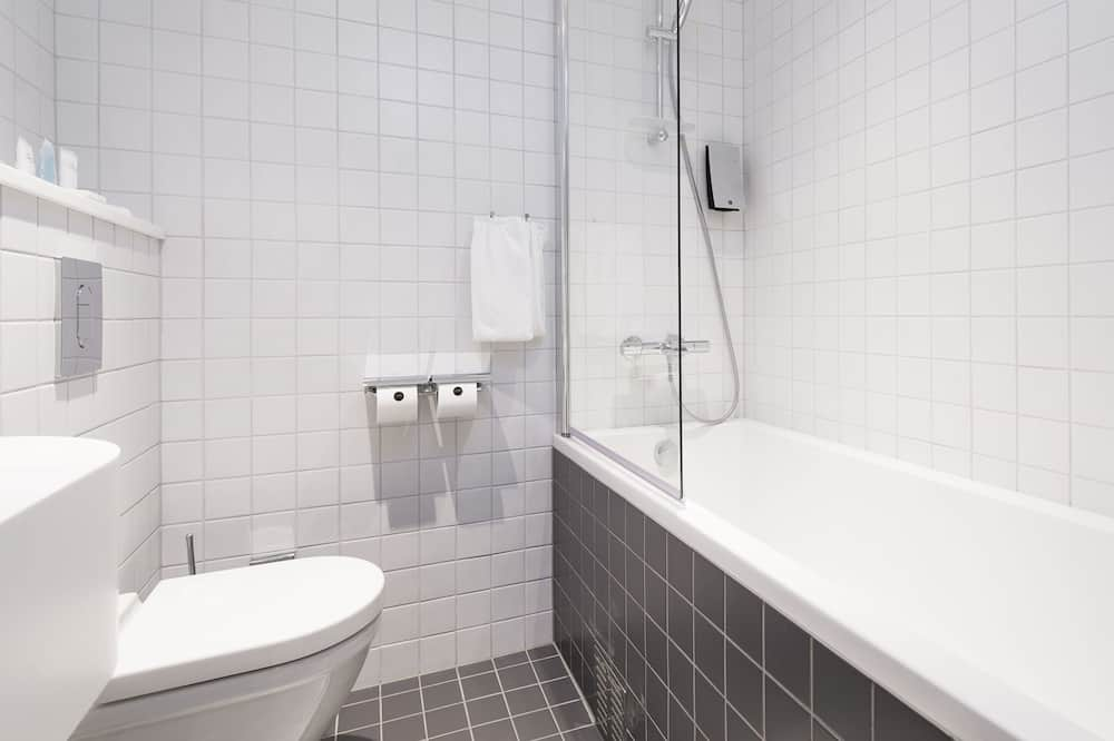 Standard Double Room Recommended Single Use, 1 Queen Bed - Bad