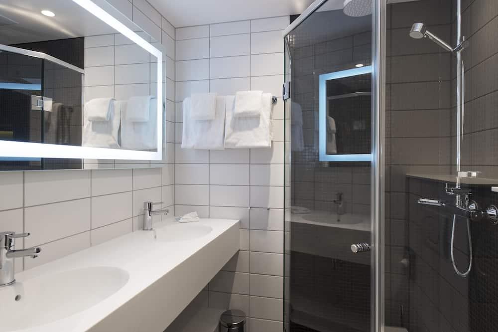 Pokój z 2 pojedynczymi łóżkami, standardowy, 2 łóżka pojedyncze, dla niepalących - Łazienka
