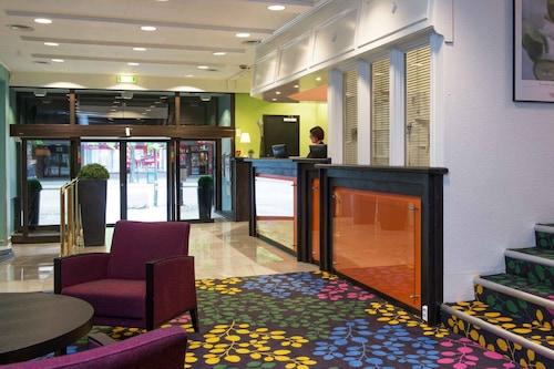 索恩特隆赫姆酒店/