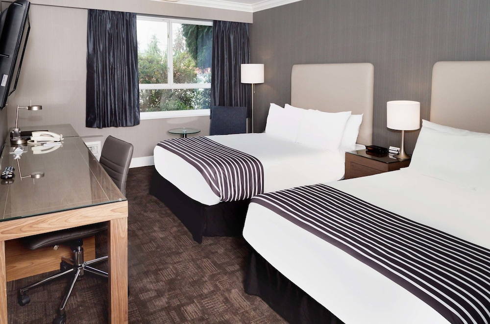 Sandman Hotel Langley Standard Room 2 Double Beds Doubles