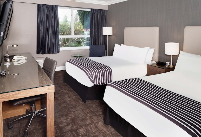Sandman Hotel Langley, Langley, Standard Room, 2 Double Beds (Doubles), Guest Room