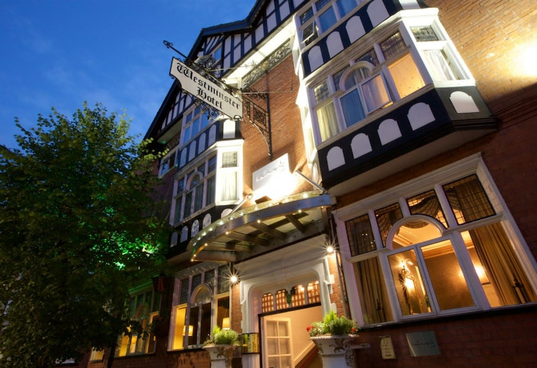 Chester, Sure Hotel Collection by Best Western, Chester, Vchod do hotela