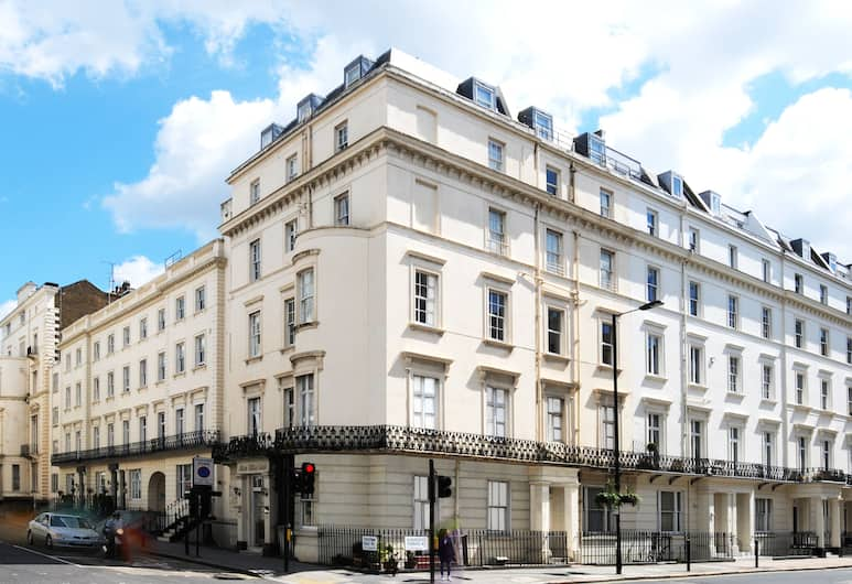 Prince William Hotel, London, Hotellfasad
