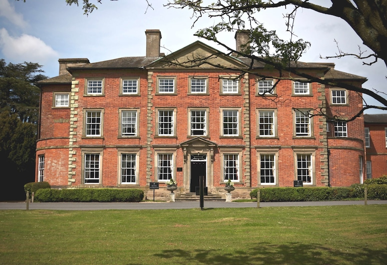 Macdonald Ansty Hall, Coventry, Exterior