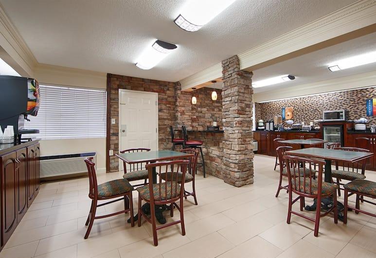 Best Western Inn & Suites of Macon, Macon, Breakfast Area