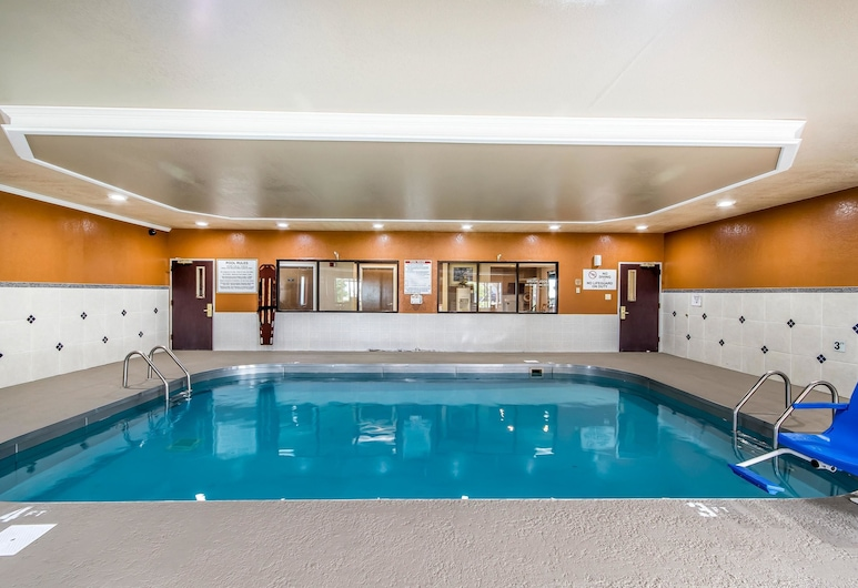Quality Inn & Suites, Haubstadt, Pool