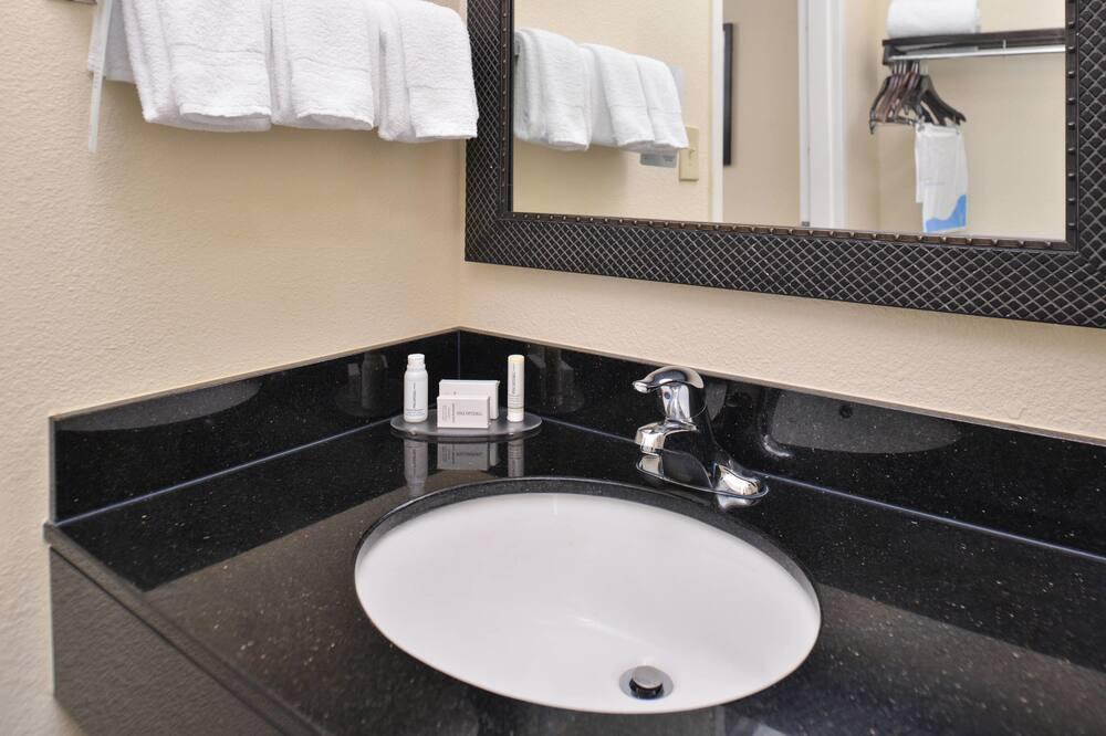 Phòng, 1 giường cỡ king, Không hút thuốc - Phòng tắm