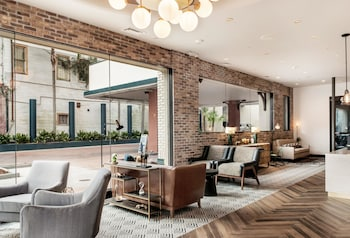Foto St Charles Coach House, Ascend Hotel Collection di New Orleans