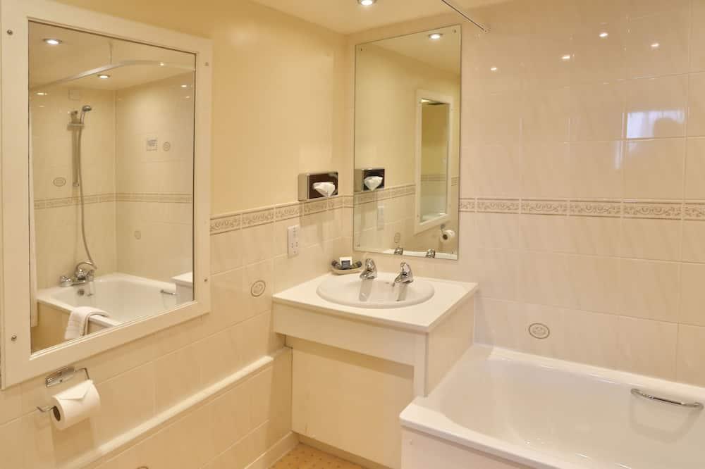 Standard Room, 1 Double Bed, Non Smoking, No Windows - Bathroom