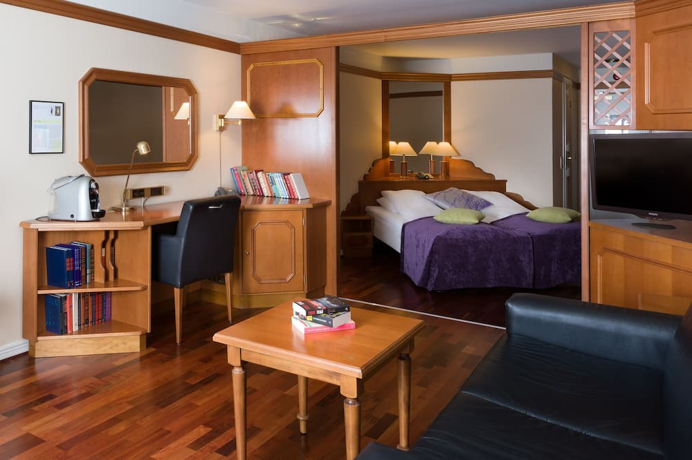 Standard Room, 2 Twin Beds, Non Smoking - Living Area
