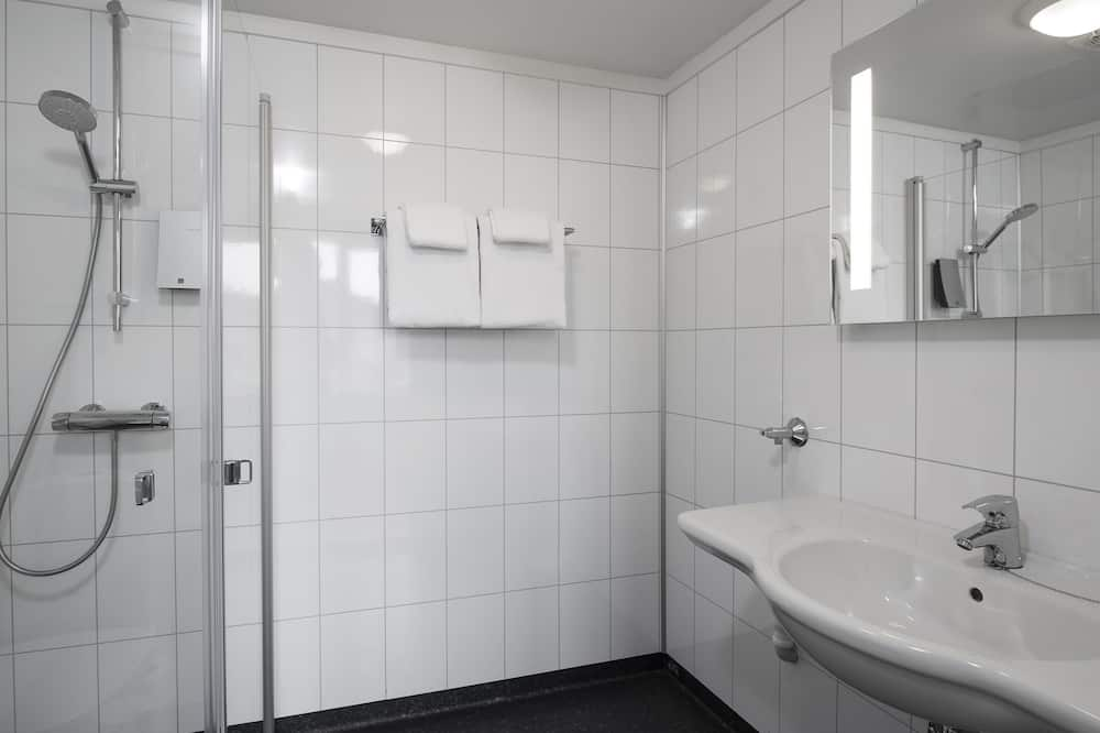 Standard szoba két külön ággyal, nemdohányzó - Fürdőszoba