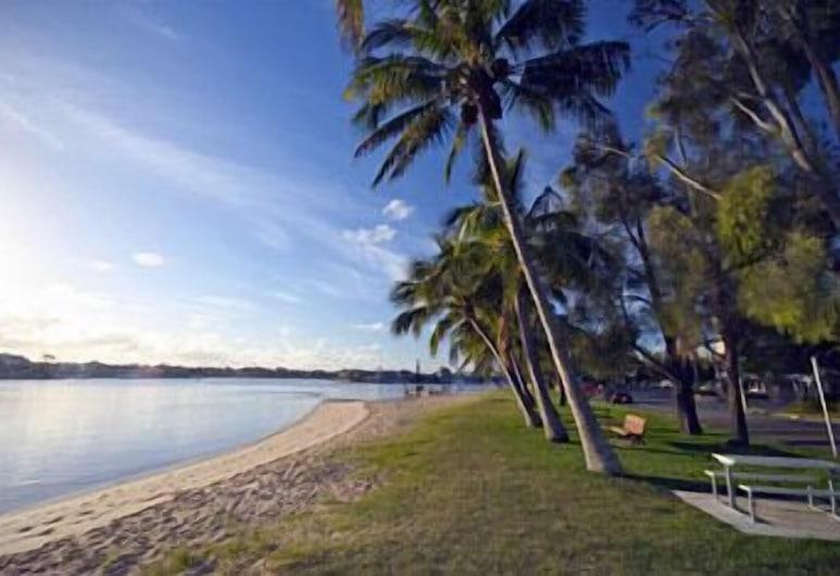 Budds Beach Apartments, Surfers Paradise, Beach