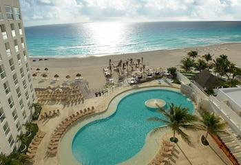 A(z) Sunset Royal Beach Resort - All Inclusive hotel fényképe itt: Cancun