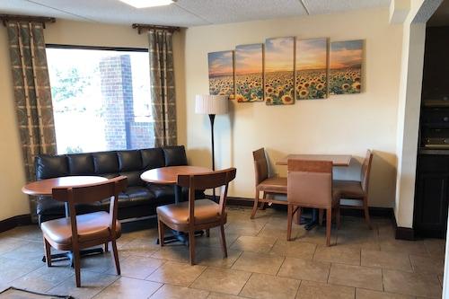 塔帕漢諾克溫德姆戴斯飯店/