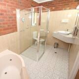Habitación estándar, bañera de hidromasaje - Baño