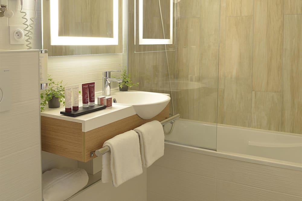 Exclusive Room, 1 King Bed - Bathroom