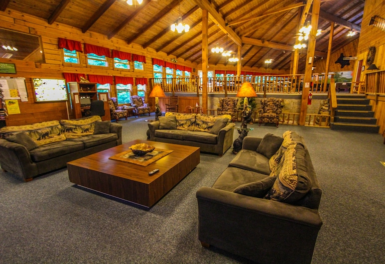 Smoketree Lodge, a VRI resort, Banner Elk, Lobby Sitting Area