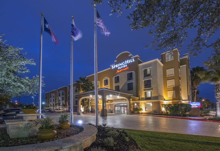 SpringHill Suites San Antonio Downtown/Riverwalk Area, San Antonijas, Viešbučio fasadas vakare / naktį