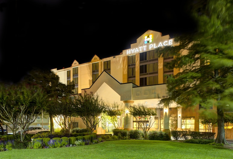 Hyatt Place Oklahoma City Airport, Oklahoma City, Hotel Front – Evening/Night