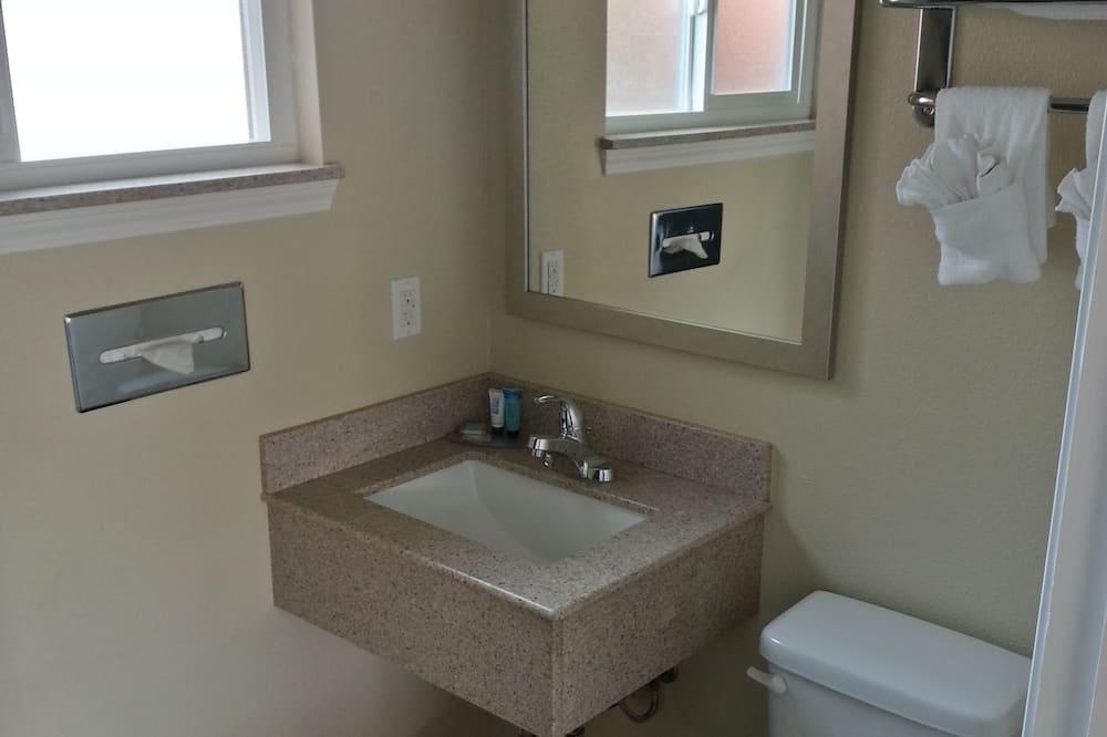 Standard Δωμάτιο, 1 Queen Κρεβάτι - Μπάνιο