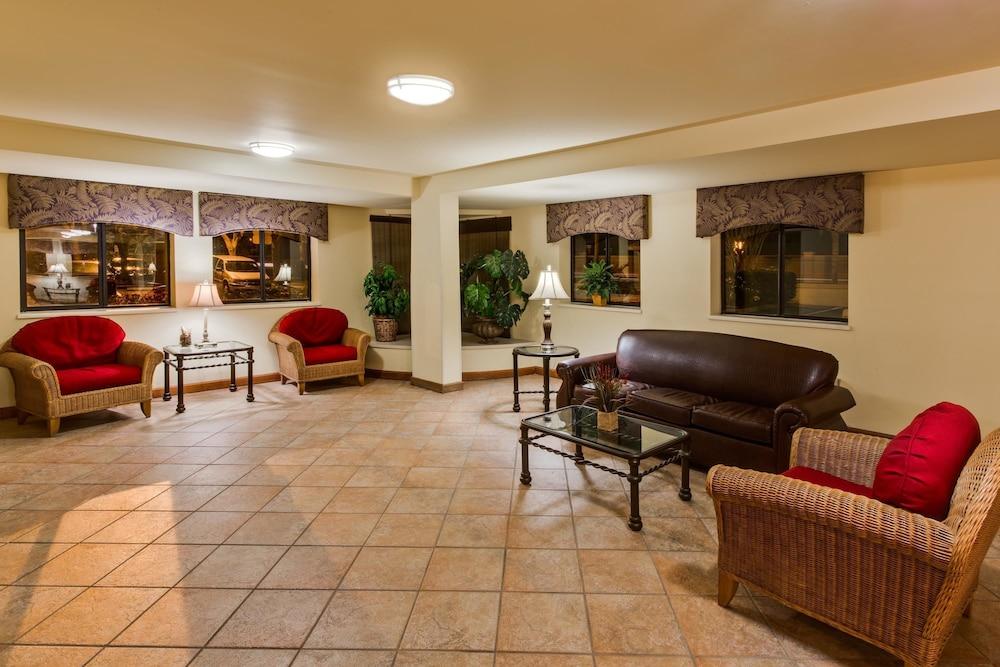 Busch Gardens Hotels