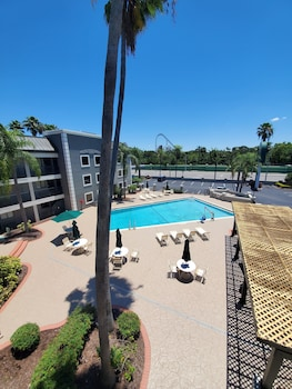 Foto van La Quinta Inn by Wyndham Tampa Near Busch Gardens in Tampa