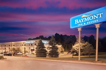 Picture of Baymont by Wyndham Traverse City in Traverse City