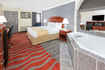 Picture of Travelodge Inn & Suites by Wyndham Norman in Norman