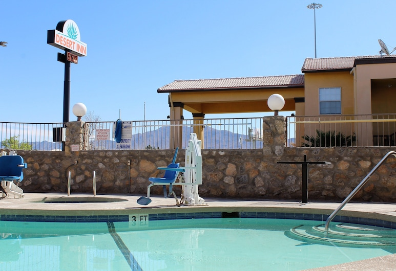 Desert Inn, El Paso, Piscina