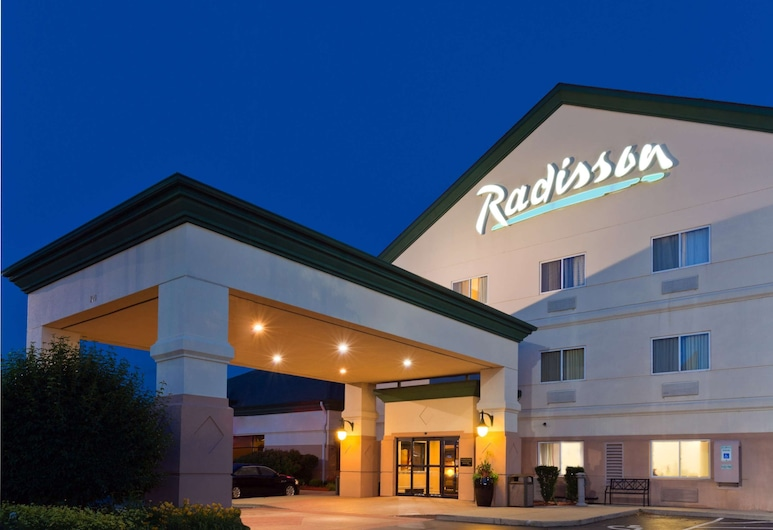 Radisson Hotel and Conference Center Rockford, Rockford
