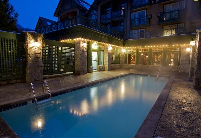Pinnacle Hotel Whistler Village, Whistler, Outdoor Pool