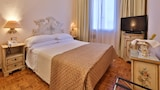 Choose This 4 Star Hotel In Venice