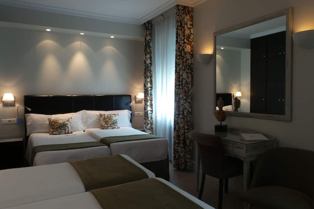 Τετράκλινο Δωμάτιο - Δωμάτιο επισκεπτών