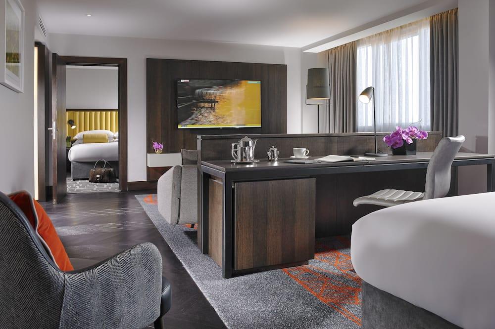 Luxury One Bedroom Suite Room - Living Area