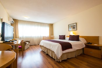 Picture of Armon Suites Hotel in Montevideo