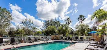 Picture of Baymont by Wyndham Fort Myers Airport in Fort Myers