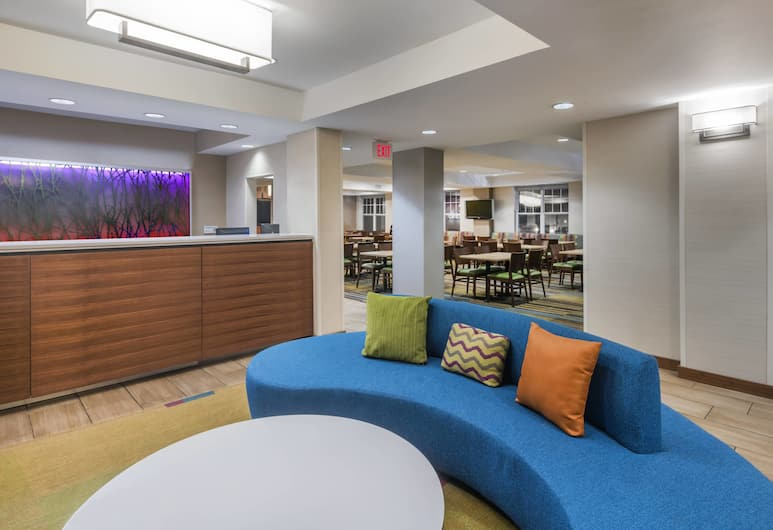 Fairfield Inn Kansas City Downtown/Union Hill by Marriott, Kansas City, Lobby Sitting Area