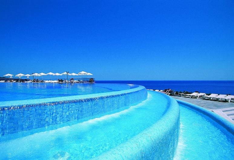 Panorama, Chania, Vandfald i pool
