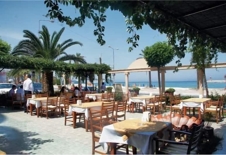 Hotel Sozer, Kuşadası, Açık Havada Yemek