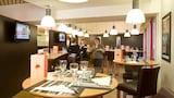 在拉库尔讷沃的宜必思经济型酒店照片