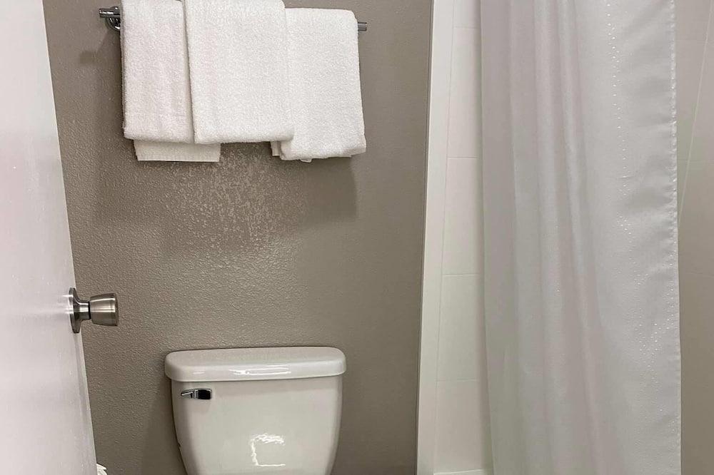 Standaard suite, 1 kingsize bed, niet-roken - Badkamer
