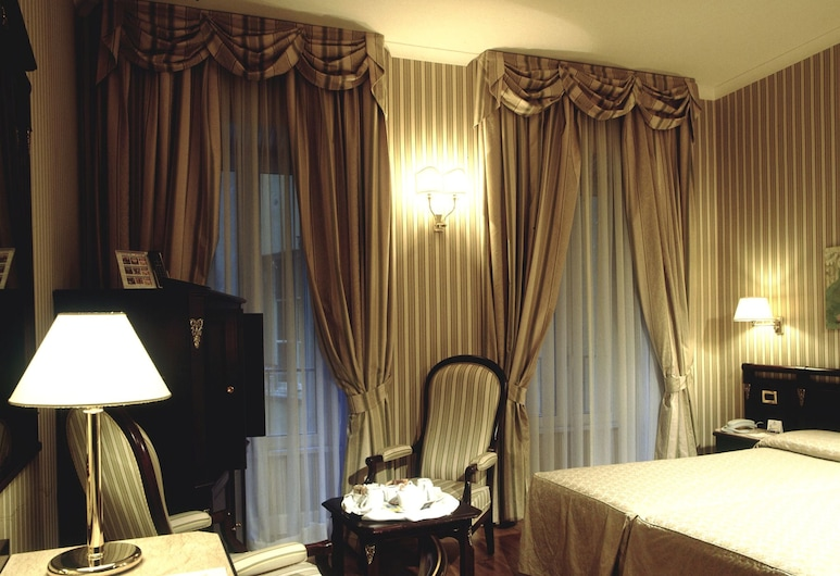 Hotel Gambrinus, Rome, Family Room, Guest Room