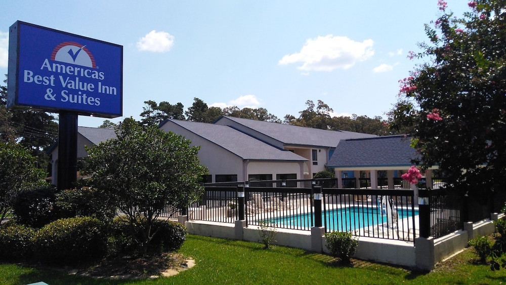 Americas Best Value Inn And Suites Bastrop Pool