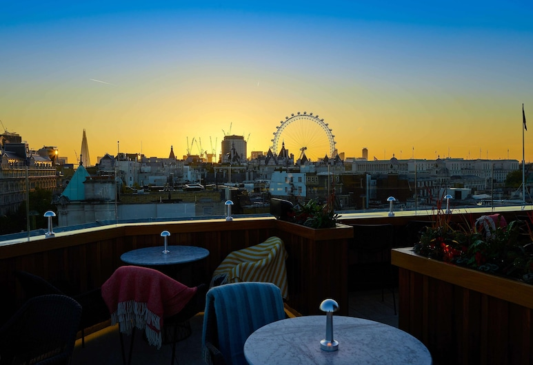 The Trafalgar St. James London, Curio Collection by Hilton, London, Terrasse/Patio