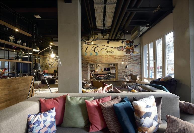 MOXY Berlin Humboldthain Park, Berlin, Lobby-Lounge