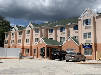 Picture of Days Inn & Suites by Wyndham Tampa/Raymond James Stadium in Tampa