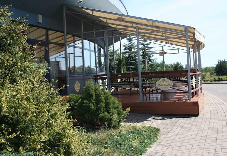 Green Park Hotel Vilnius, Wilno, Taras/patio