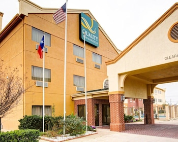 Top 10 Hotels in Waco with In-Room Accessibility | Texas