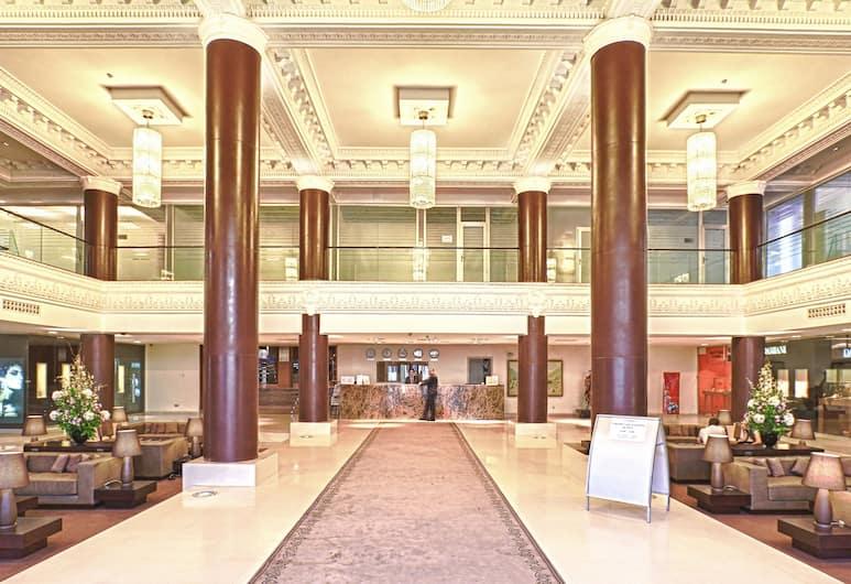 多斯特克飯店, 阿拉木圖, 大廳
