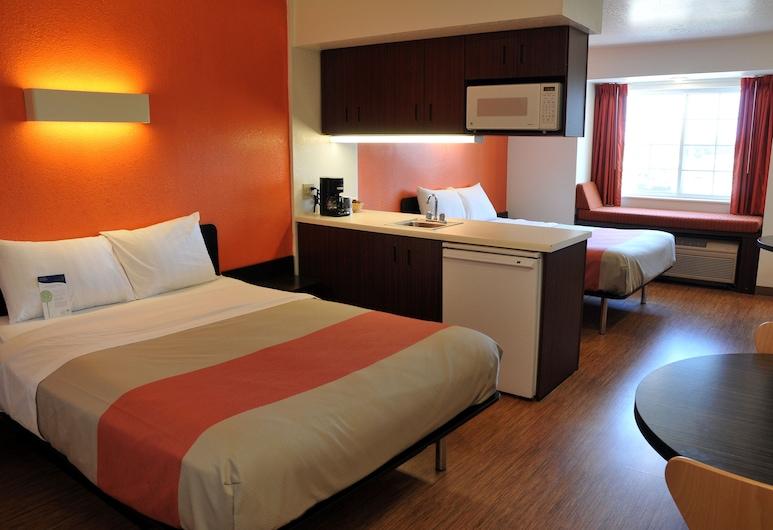 Motel 6 Huron, OH - Sandusky, Huron, Apartament standardowy typu Suite, 2 łóżka queen, przystosowanie dla niepełnosprawnych, Pokój